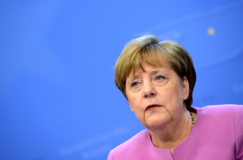 Меркелова: Дебату о промени границе пратим са великом забринутошћу
