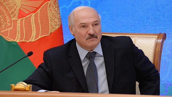 Лукашенко: Ако НАТО настави да нас плаши биће нам потребно ефикасније оружје