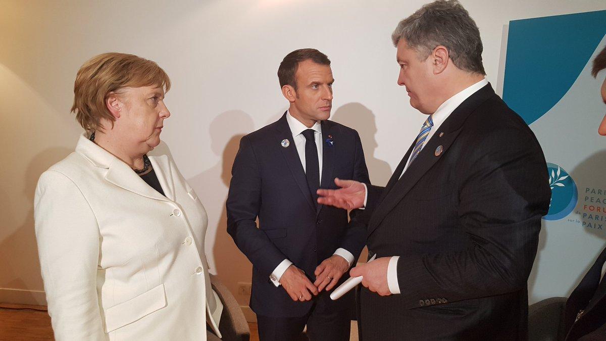 """Порошенко, Меркелова и Макрон разговарали о """"лажним"""" изборима у Донбасу"""