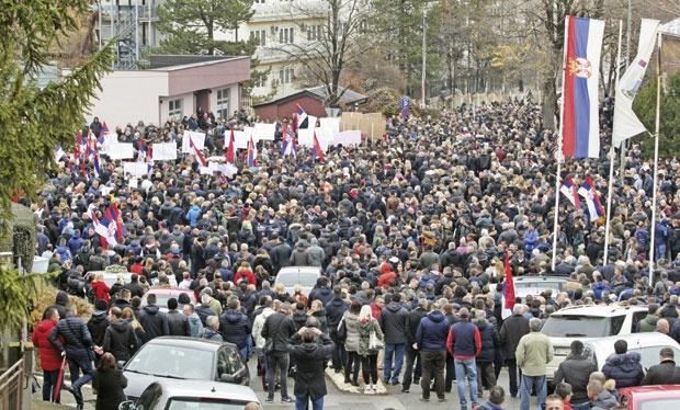Срби са севера прекинули везе са Приштином