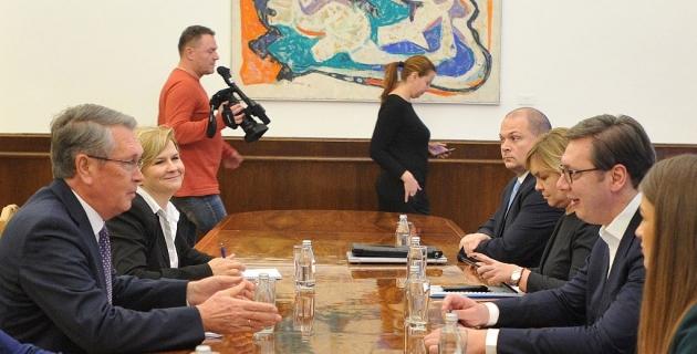 Вучић од амбасадора тражи да Москву и Пекинг обавесте о стању на Космету