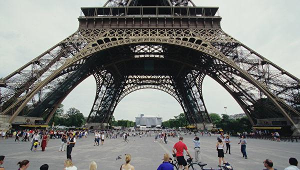 Партије левог блока у француском парламенту ће разматрати питање изгласавања неповерења влади