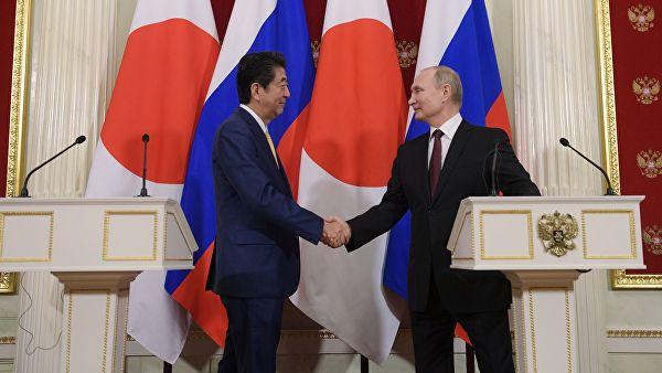"""Јапан оценио преговоре Путина и Абеа као """"одличан почетак"""""""