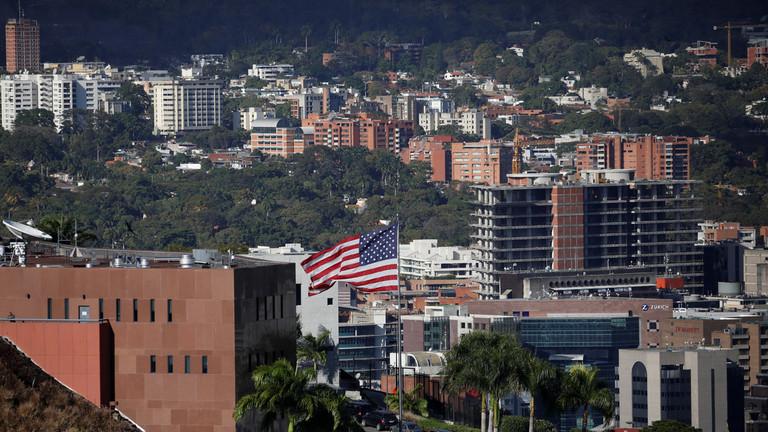 РТ: САД опозвале нижерангиране дипломате из Венецуеле