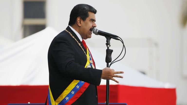 РТ: Мадуро тврди да је Трамп наредио колумбијској влади и мафији да га убију