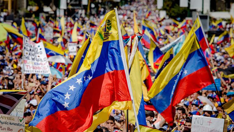 РТ: Велика Британија, Шпанија, Аустрија и друге земље признале Гваида за привременог председника Венецуеле