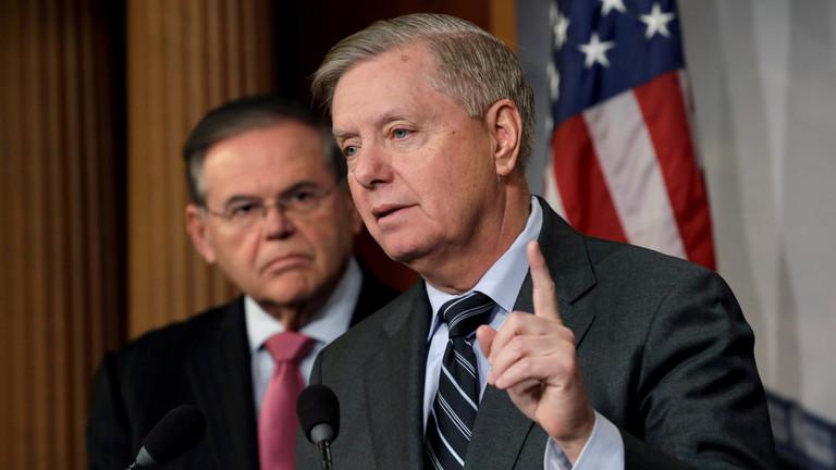 """РТ: Амерички сенатори поновно предлажу """"закон о санкцијама из пакла"""" за Русију"""