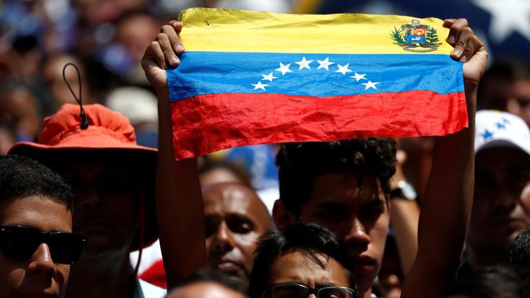 """РТ: """"Даље руке са наше хемисфере или ће Венецуела платити цену"""" - амерички сенатор упозорава Русију"""