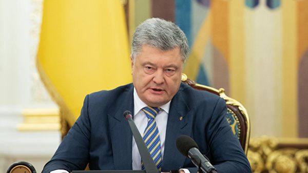 """Порошенко не искључује """"потпуни рат"""" са Русијом"""