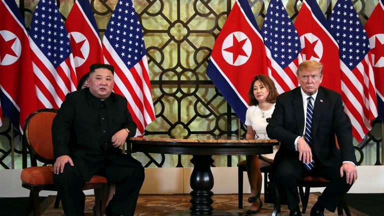 """РТ: Потпуна послушност или оштрије санкције: САД саопштиле да је """"корак по корак"""" денуклеаризације Пјонгјанга неприхватљив"""