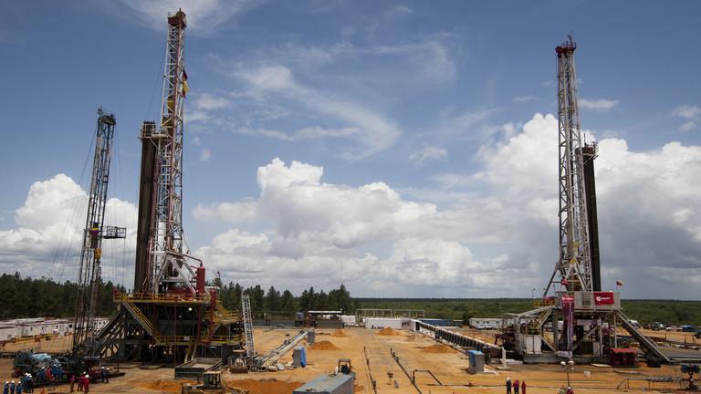 РТ: Индија мора да престане да купује нафту од Венецуеле - САД