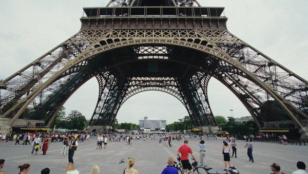 Париз: Европа зна да САД постају све тежи партнер