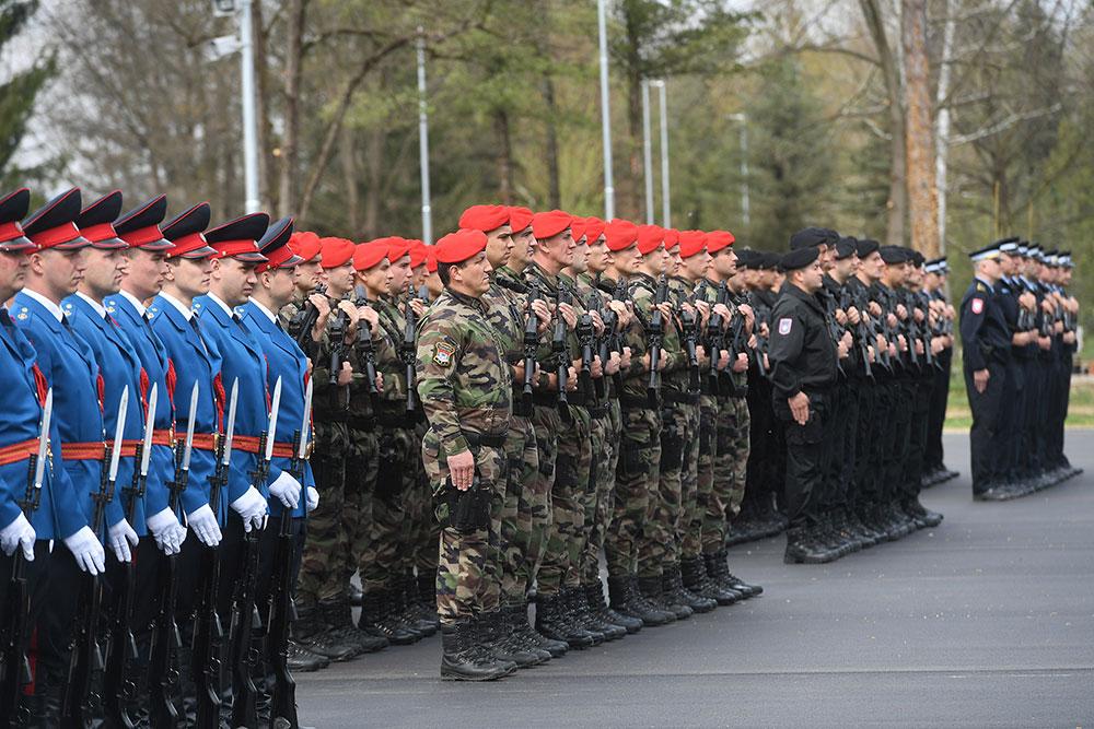 Република Србска и Србија морају да имају једну и јединствену политику