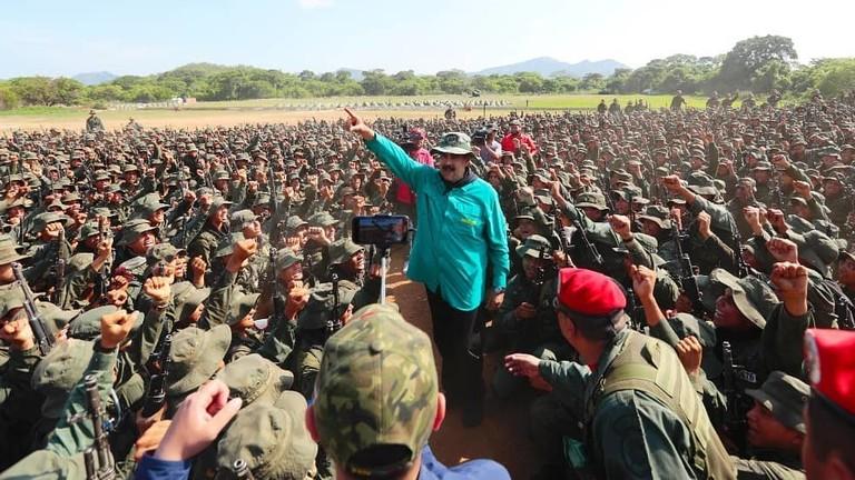 """РТ: """"Потребно нам је још више војника"""": Гваидо признао да Мадуро има подршку венецуеланске војске"""
