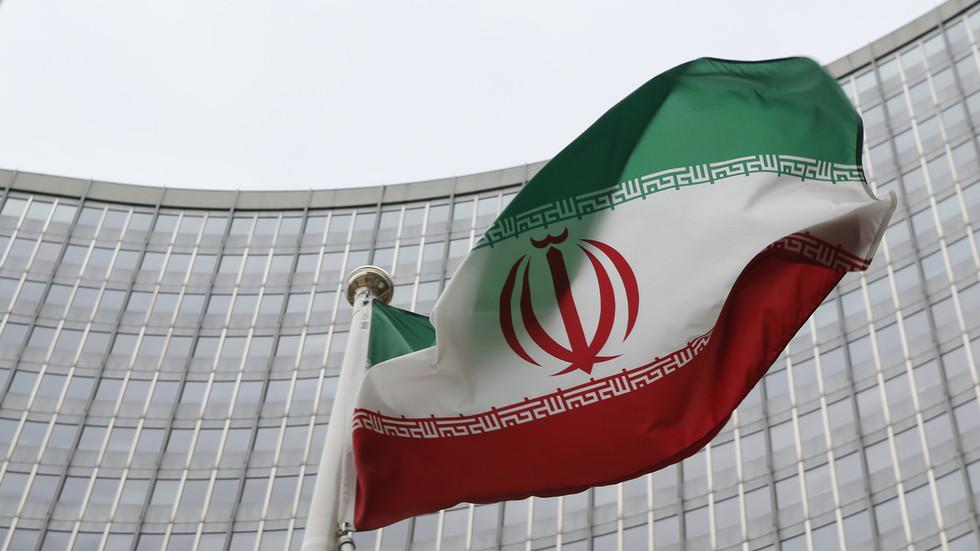 """РТ: Иран обавестио стране изасланике да """"обуставља имплементацију"""" неких обавеза из нуклеарног споразума"""