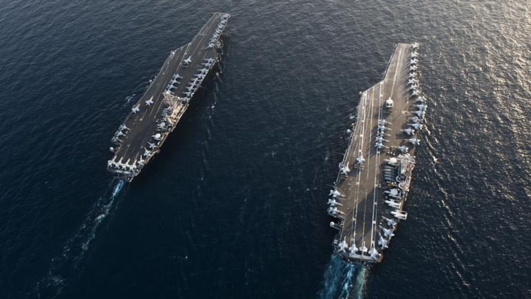 "РТ: ""Наш циљ није рат"", инсистира Помпео док се амерички ратни бродови и бомбардери окупљају уз обалу Ирана"