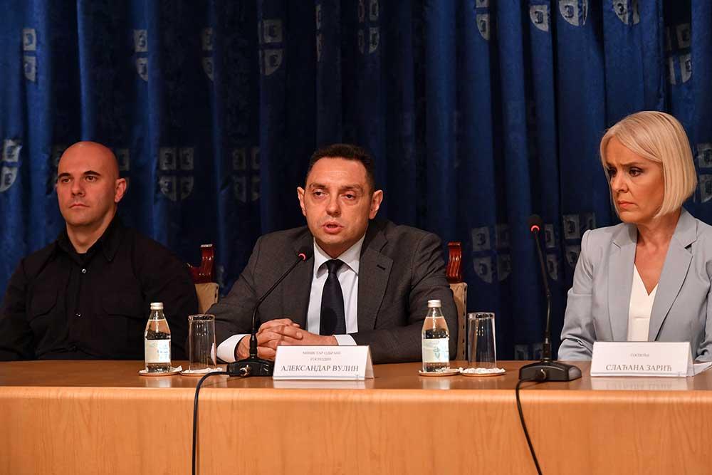 Vulin: Za šta obučavaju Šiptare? Za odbranu od napada Albanije, Crne Gore, Severne Makedonije ili za sukob sa Srbima?