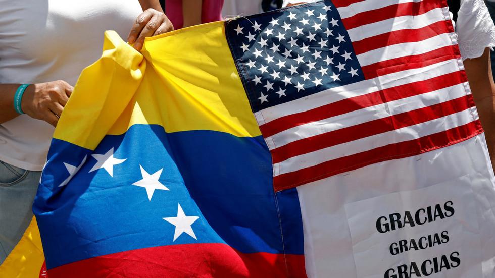 РТ: Помпео рекао да су САД покушале, те да нису успеле да уједине опозицију у Венецуели