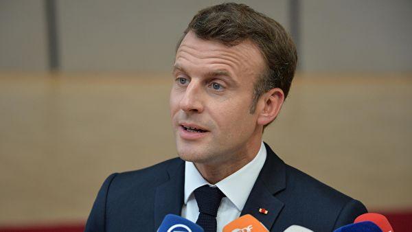 Макрон: Европа треба да гради са Русијом нова правила поверења и безбедности и не треба само да се договара са НАТО-ом