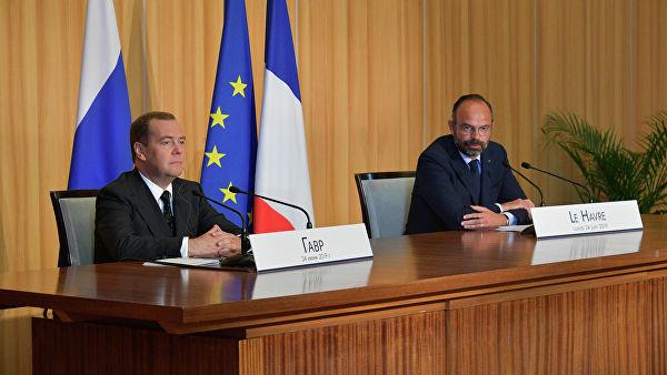 Париз: Санкције Русији у било којем тренутку могу бити укинуте
