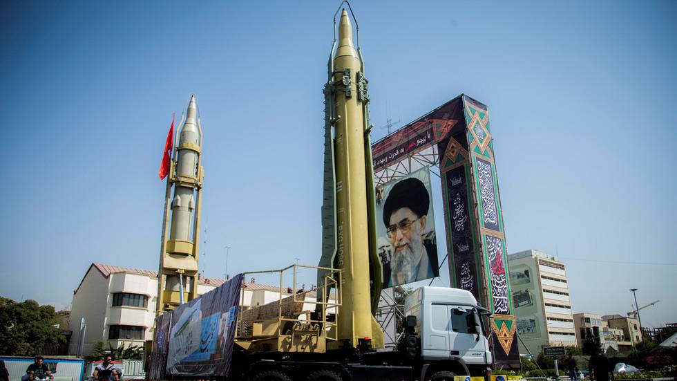 """РТ: Иранско путовање кроз време?: САД оптужиле Иран за кршење нуклеарног споразума """"чак и пре његовог постојања"""""""