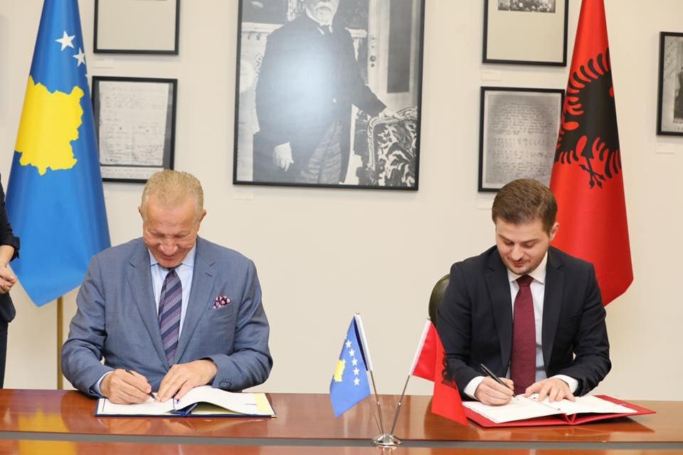 """Сепаратистичке власти у Приштини и Тирана потписали су споразум о """"уједињавању и координисању својих спољних политика"""""""