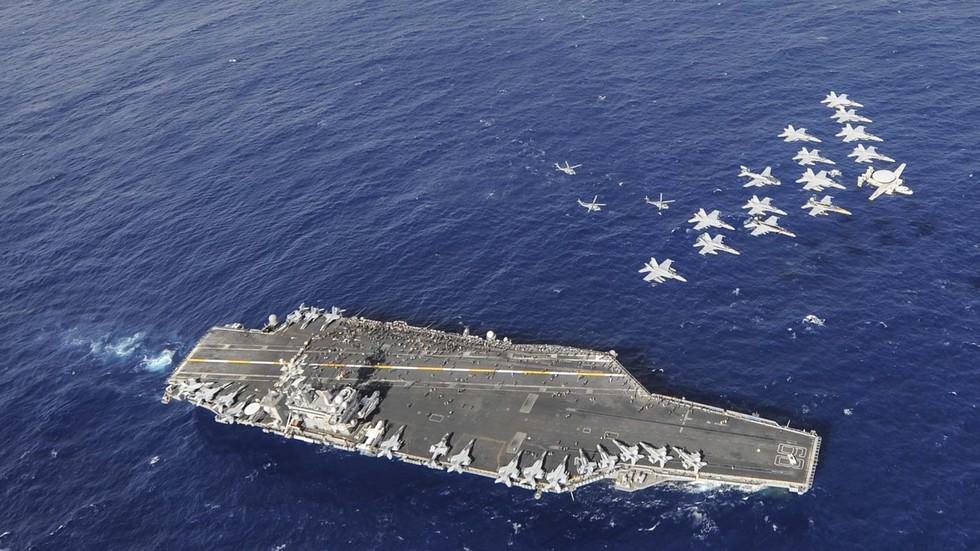 """РТ: """"Желите невоље? Прво ви"""": Дутерте позвао САД да доведу флоту и објаве рат Кини"""