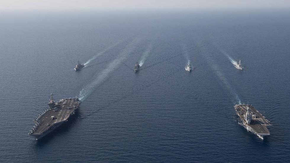 РТ: Слобода пиратерије: САД траже савезнике да организују лов на иранске танкере