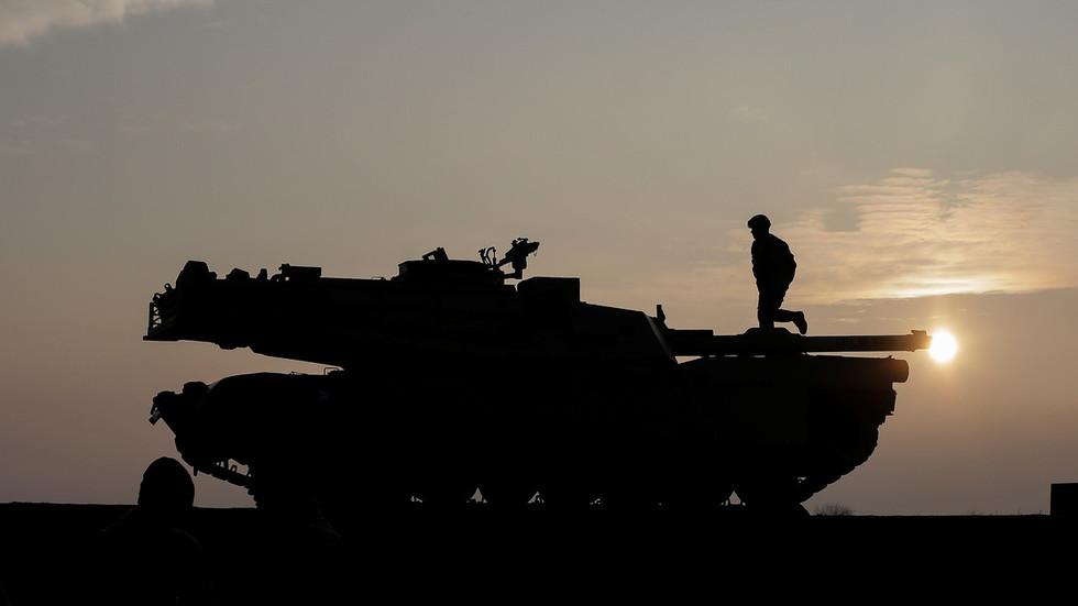 РТ: Кина запретила америчким фирмама санкцијама која имају везе с продајом оружја Тајвану