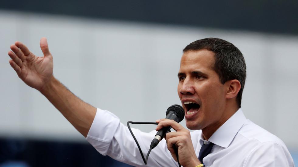 """РТ: """"Сви у Каракас!"""": Гваидо позива на масовне протесте након извештаја о повећању америчког новца за опозицију"""
