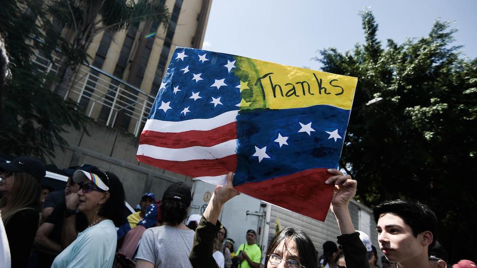 """РТ: Куба, Русија, Кина и Иран - Помпео навео земље које """"морају напустити"""" Венецуеле, осим једне"""