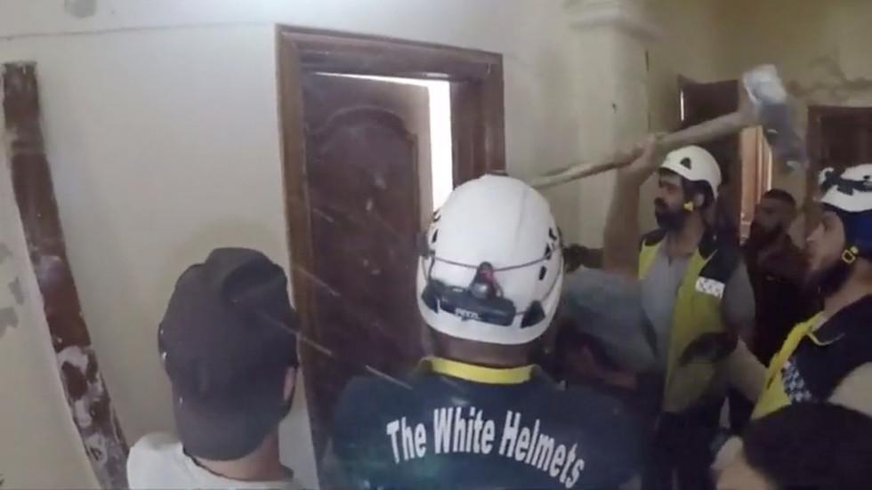 """РТ: Твитер укинуо налог амбасаде Русије у Сирији након критика према """"Белим  шлемовима"""""""