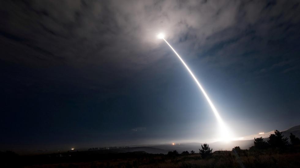 """РТ: """"Крај свих нас!"""" Филипини никада неће дозволити САД-у да распореде нуклеарно оружје на њиховом тлу"""
