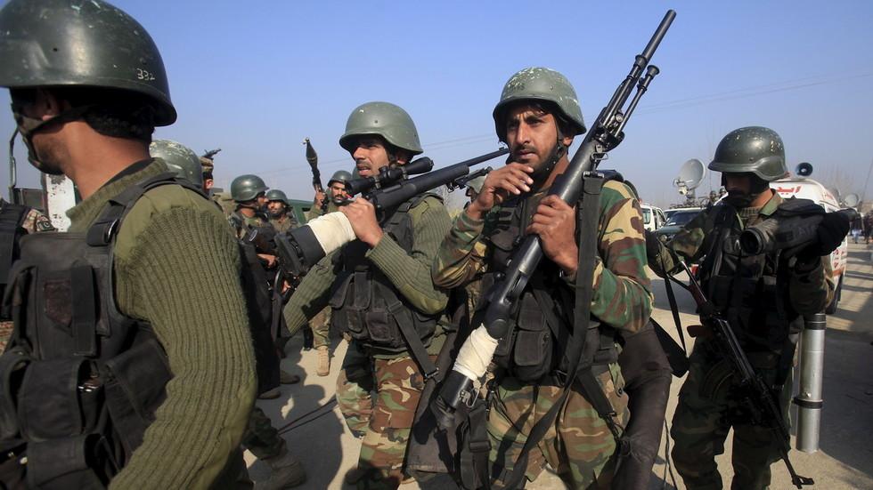 РТ: Пакистан смањује дипломатске односе и обуставља билатералну трговину с Индијом