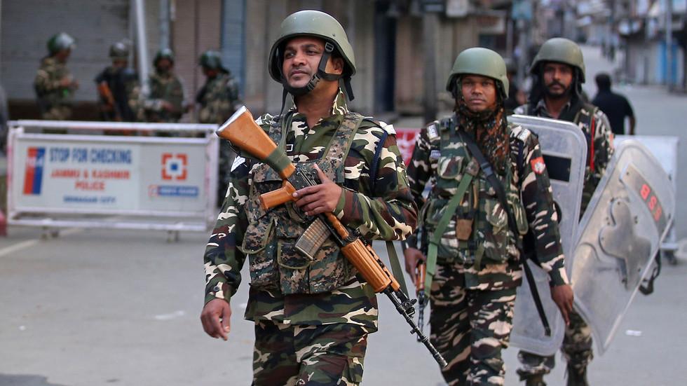 """РТ: """"Без брзоплетих одлука или војних потеза"""": Иран позива Пакистан и Индију на смиреност око Кашмира"""