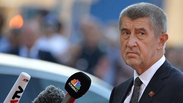 Чешки премијер се успротивио намери Земана о приспитивању повлачења самопроглашеног Косова
