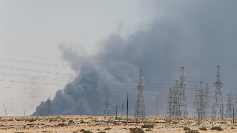 """РТ: """"Максимална лаж"""": Иран одбацио тврдње САД-а да је извео напад на саудијске нафтне објекте, те упозорио да је спреман за рат"""