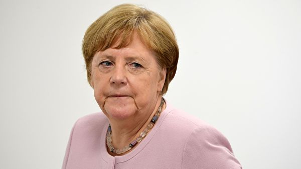 Меркелова: Зна се да за приступање ЕУ треба решити одређене ствари у вези са Косовом