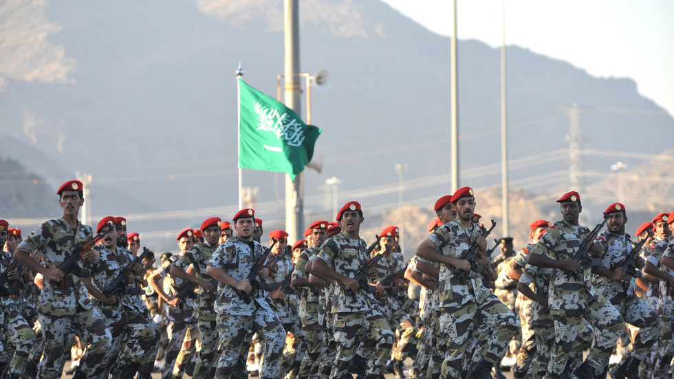 РТ: Куповина америчког оружја и поверење у Вашингтон неће донети безбедност - Зариф упозорава Саудијце