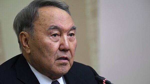 Назарбајев предложио састанак Путина и Зеленског у Казахстану