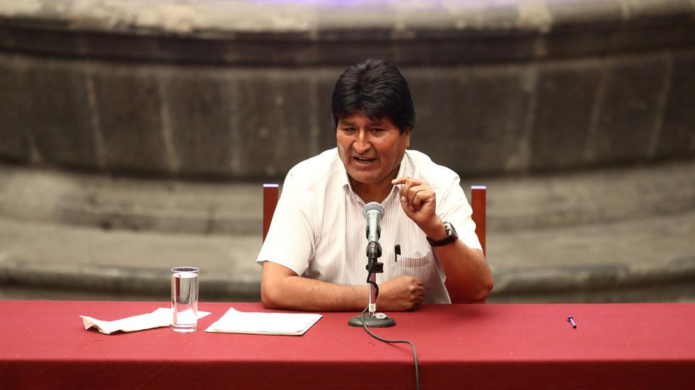 """РТ: """"Ослободили смо се ММФ-а и имали велике планове за извоз"""": Изгнани боливијски председник Моралес о државном удару"""