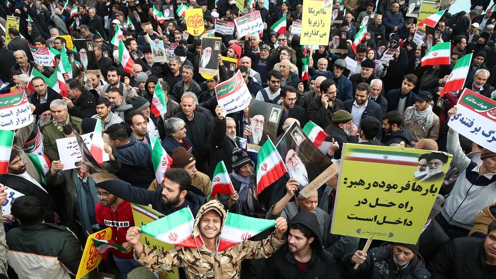 """РТ: """"Пређите наше црвене линије и бићете уништени"""": Команданр Револуционарне гарде Ирана упозорио САД, Израел и Саудијску Арабију"""