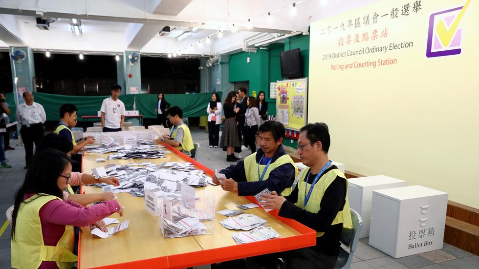 """РТ: """"Хонг Конг је део Кине и нико то не може променити"""": Пекинг о победи  опозиције на локалним изборима"""