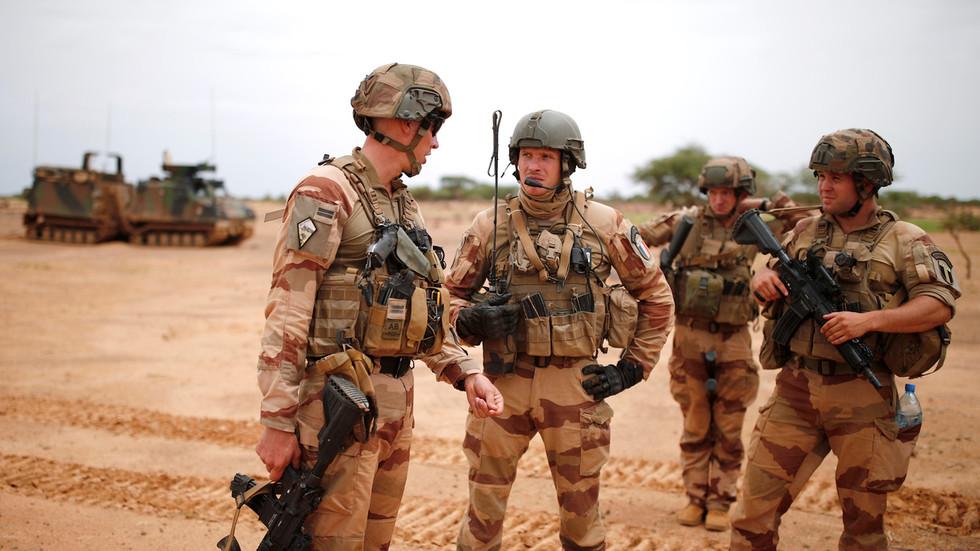 """РТ: """"Можете ли замислити да наша војска дође у Француску без позива?"""": Асад осудио француску """"окупацију"""" Сирије"""