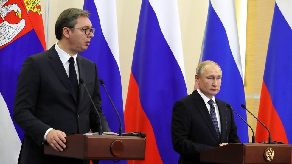 РТ: Да је Путин био руски председник 1999. године, Србија не би била бомбардирана - Вучић
