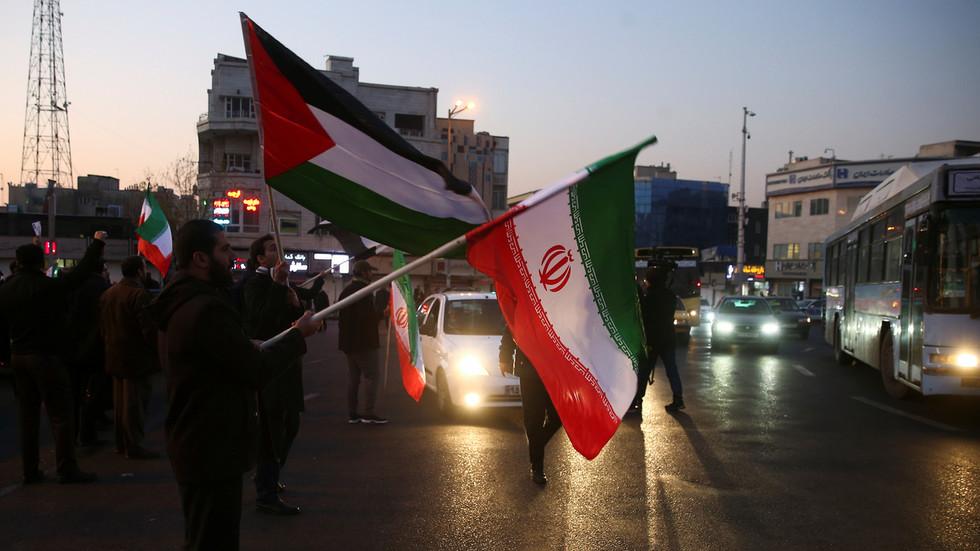 РТ: Избацивање америчких снага са Блиског Истока биће коначни одговор Ирана на Сулејманијево убиство - Рохани