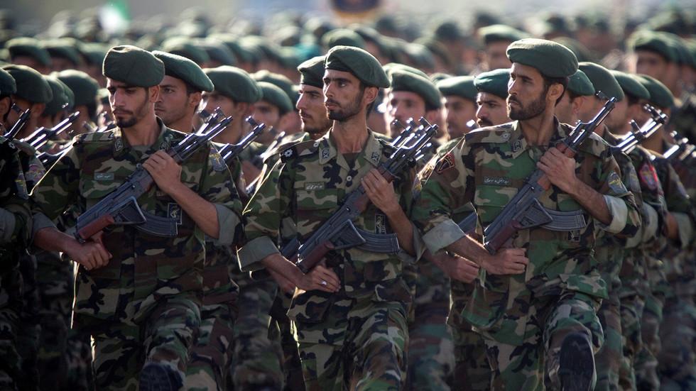 """РТ: """"Оштрија освета"""": Командант Револуционарне гарде Ирана обећао да није готово након ракетненог удара на америчке снаге у Ираку"""