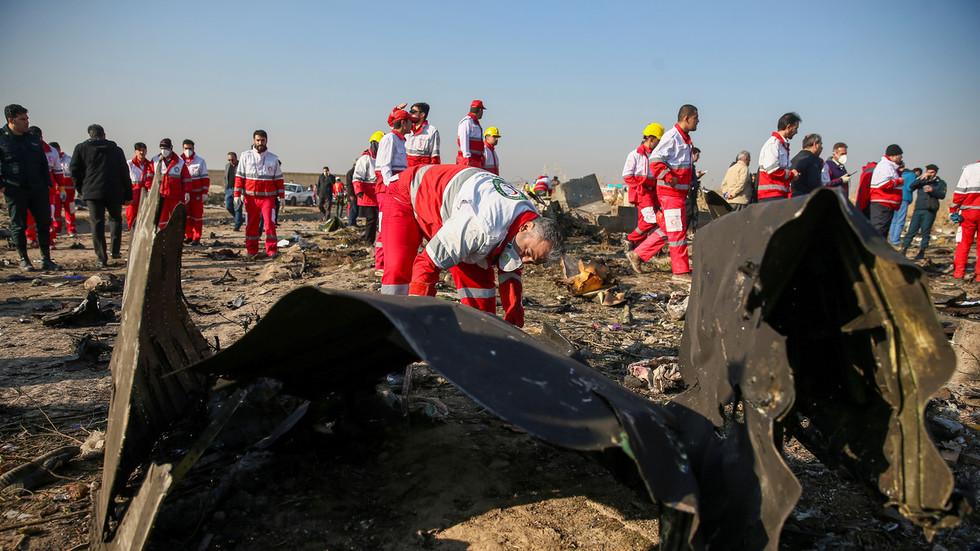 """РТ: Рохани обећао да ће се """"идентификовати и процесуирати"""" сви који су одговорни за """"катастрофалну грешку"""" која је довела до обарања украјинског авиона"""