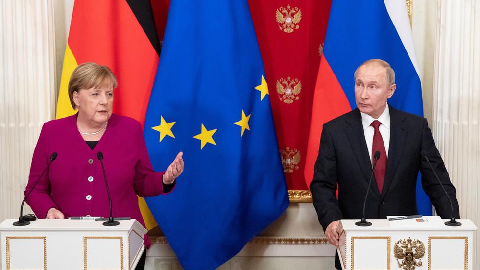 РТ: Меркел и Путин се сложили да нуклеарни споразум с Ираном треба сачувати на све начине