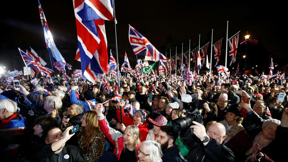 """Званично: Велика Британија напустила ЕУ,  снагу ступа """"прелазни период"""""""